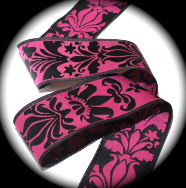 "*DAMASK DESIGN4A - 1 1/2"" MAGENTA/BLACK (10 YDS)"