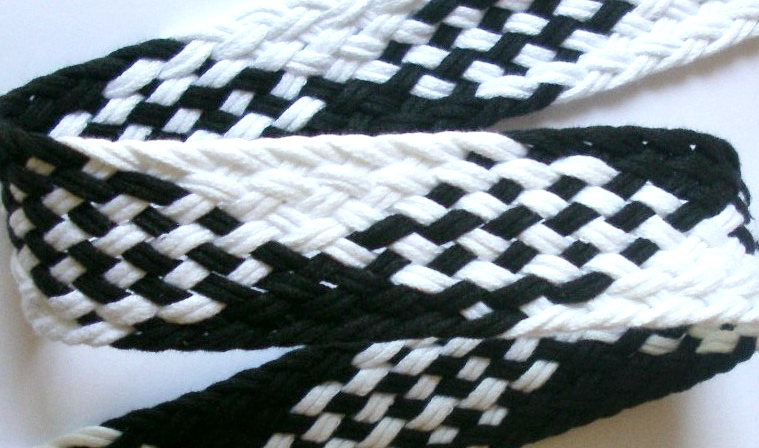 "CUSTOM4 1 3/8""(3 YDS) BLACK/WHITE CUSTOM WEBBING"