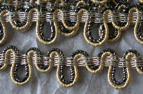 "f3 1/2"" Black/Gold Metallic Trim (5 1/2  yards)"