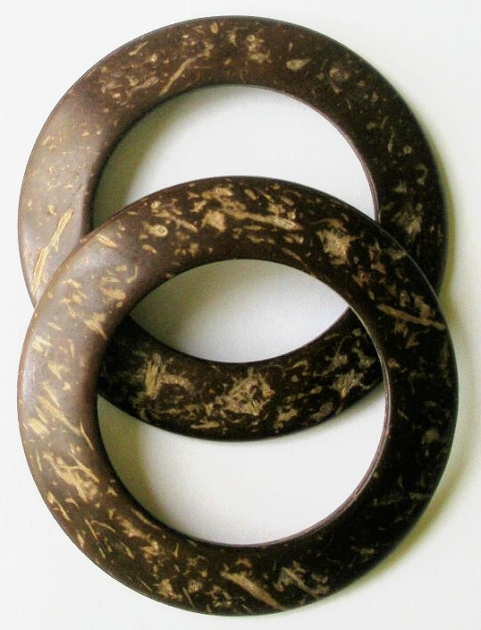 "SH1006 -1 3/4"" (ID) X 2 3/4""GENUINE COCONUT SHELL RINGS(PR)"