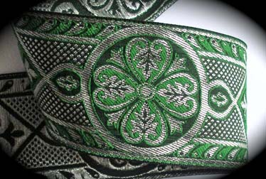 "METALLIC290 2 3/8"" (per yd)  GREEN/BLACK/SILVER FLOWER"