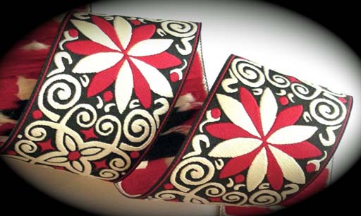 "PINWHEEL ZINNIA18 - 1 7/8""(3 yds) CREME/BLACK/RED- 5 LEFT"